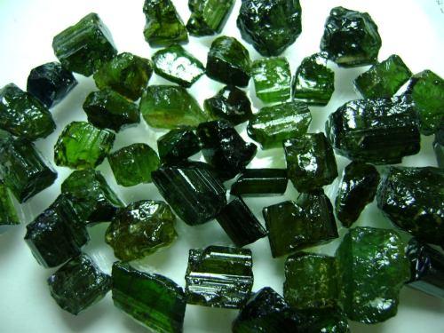 natural-pedras-turmalina-verde-extra-lapidar-e-fazer-joias-2396-MLB4794319904_082013-F